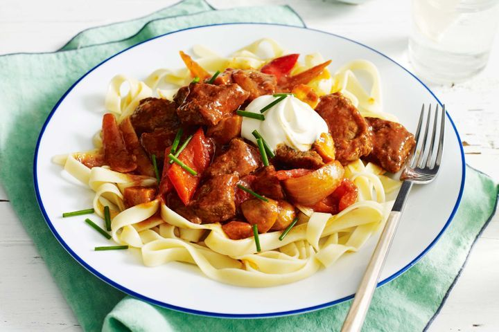 How to Make Quick beef goulash
