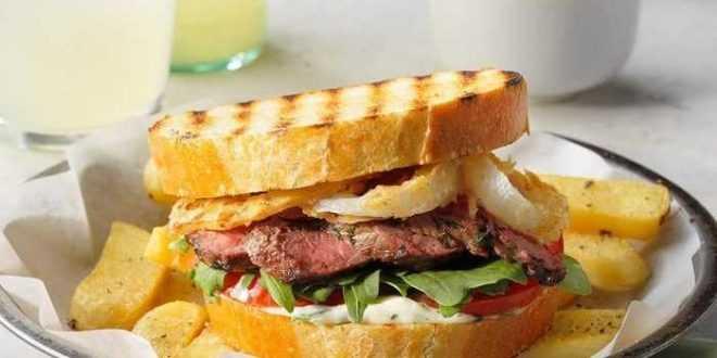 Sandwich Steak Bawang Renyah